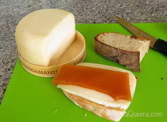 Road Trip: Azores - Cheese and marmalada for breakfast
