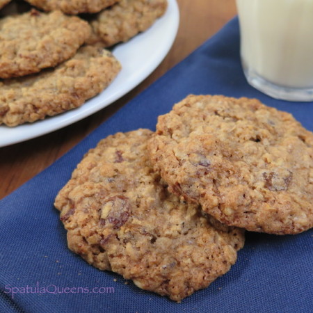 Crunchy, Chewy Oatmeal Cookies