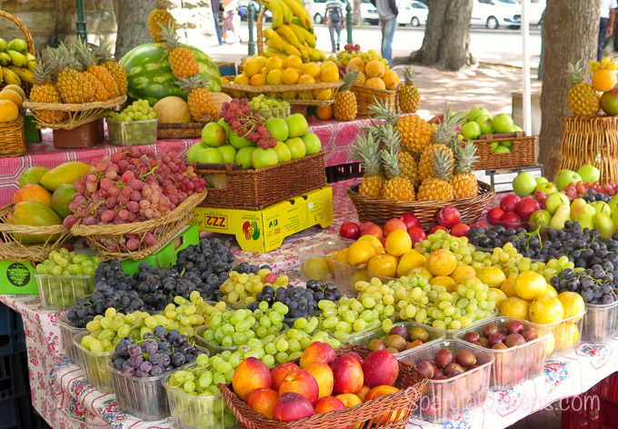 Fruit stand in downtown Cape Town - Road Trip South Africa