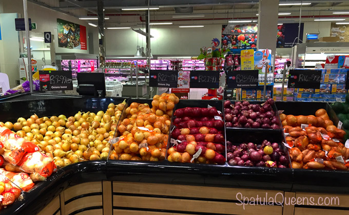 Grocery store stop for fruit - Road Trip South Africa