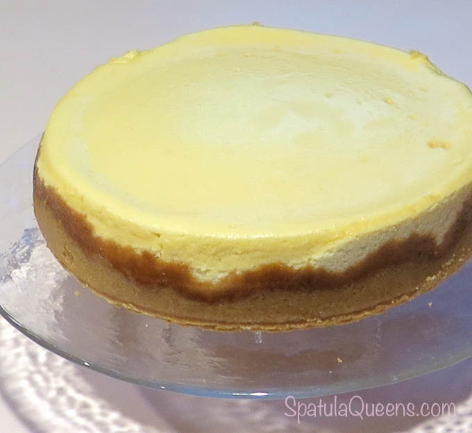 Dense and creamy cheesecake recipe: No crack across the top of the cheesecake