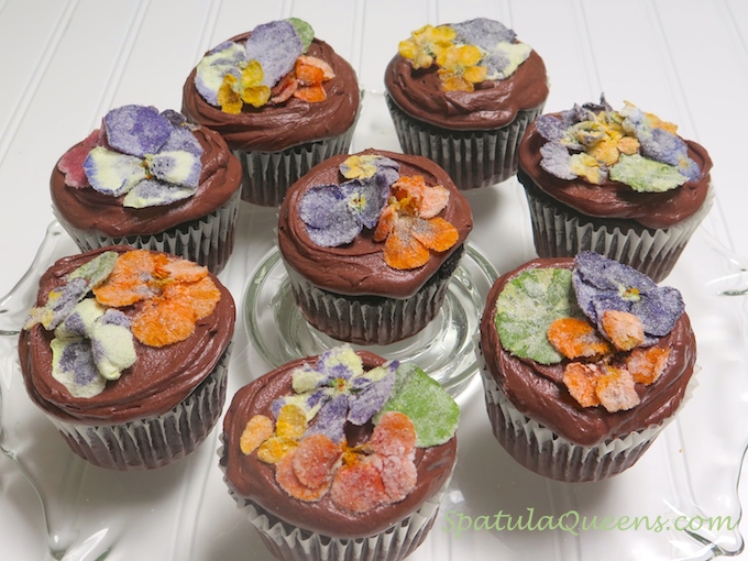 Pretty, edible, candied flowers