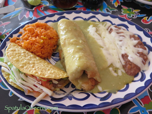 Road Trip Mexico: Tex-Mex Lunch at the Pink Store